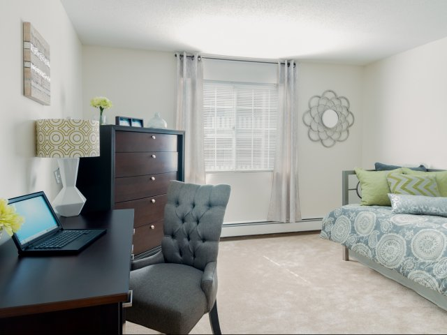 Model Bedroom | Colonial Village Apartments | Apartments in Manchester NH