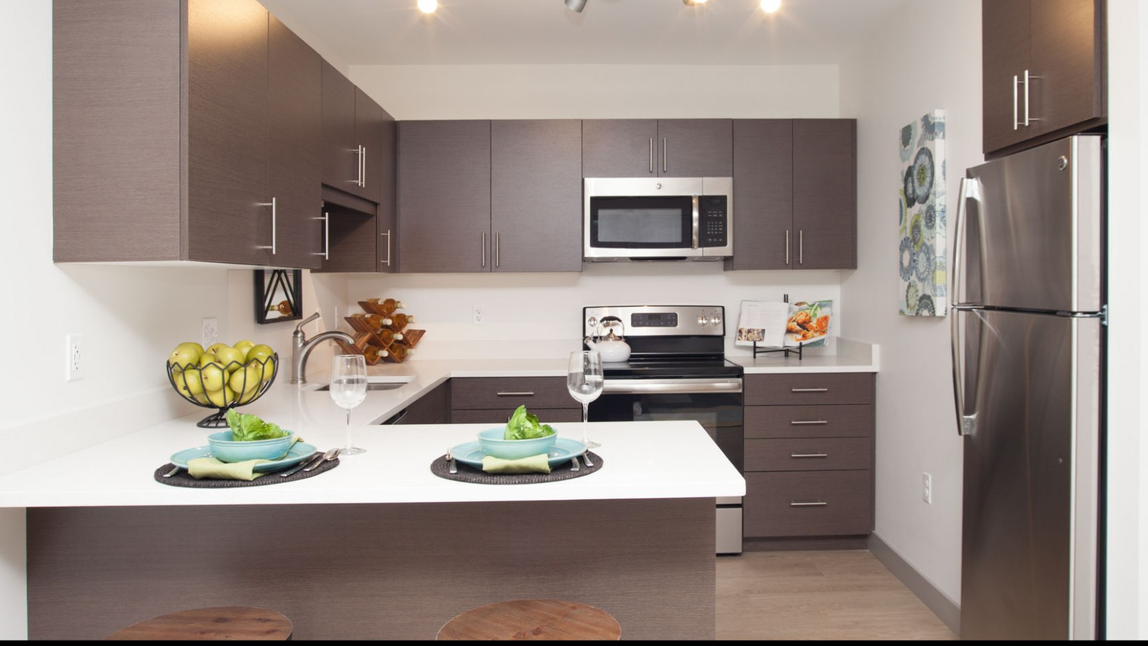2 Residents at Dolben | Luxury Apartments in Beverly MA