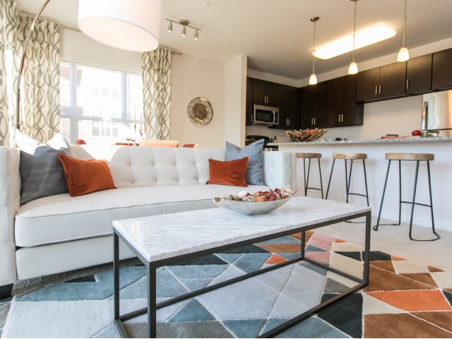 Luxury baltimore apartments overlook at franklin square - 3 bedroom apartments in baltimore ...