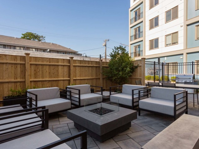 Image of Outdoor Courtyard with Fire Pit for Link 480