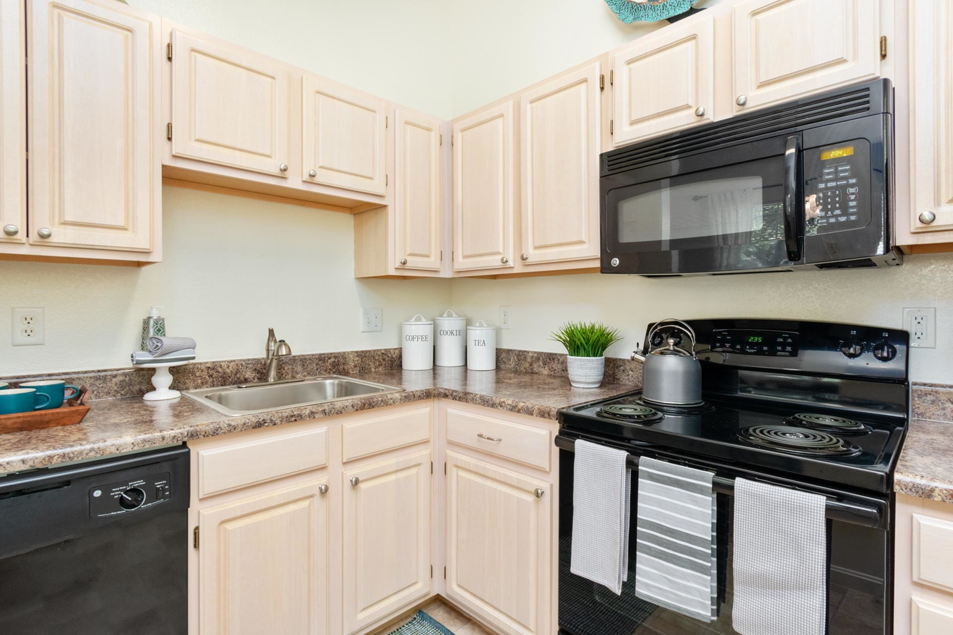 Image of Fully-Applianced Kitchen for Greenwich Place