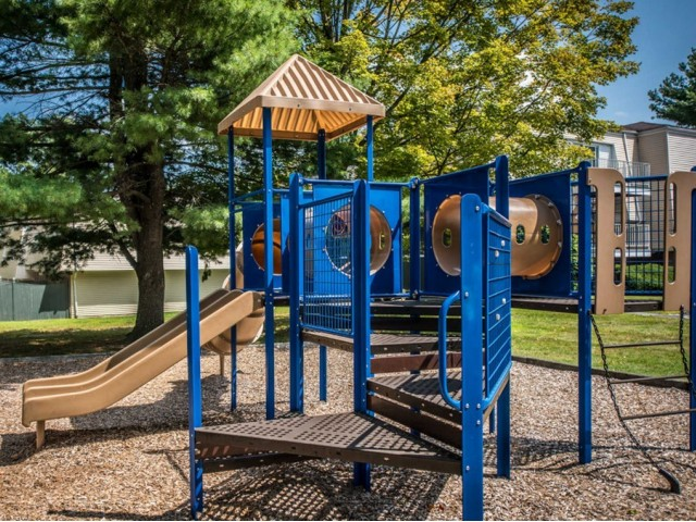 Resident Children\'s Playground | Apartments For Rent Milford MA | Rolling Green