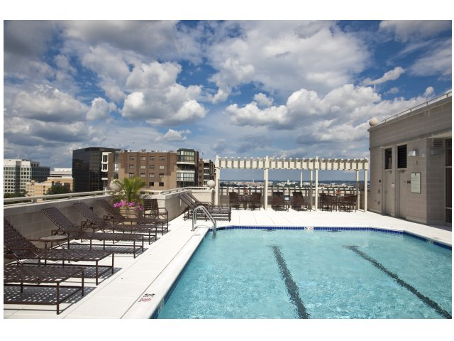 Image of Refreshing Rooftop Pool for Parc Rosslyn Apartments