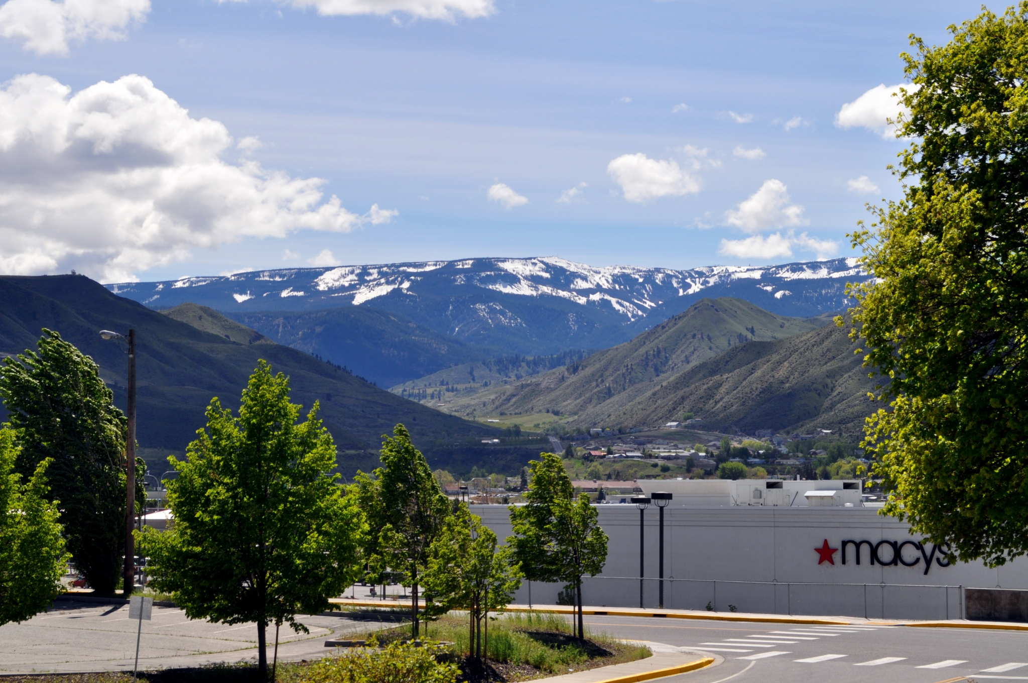 Image of Beautiful Landscape for Colorado Apartments