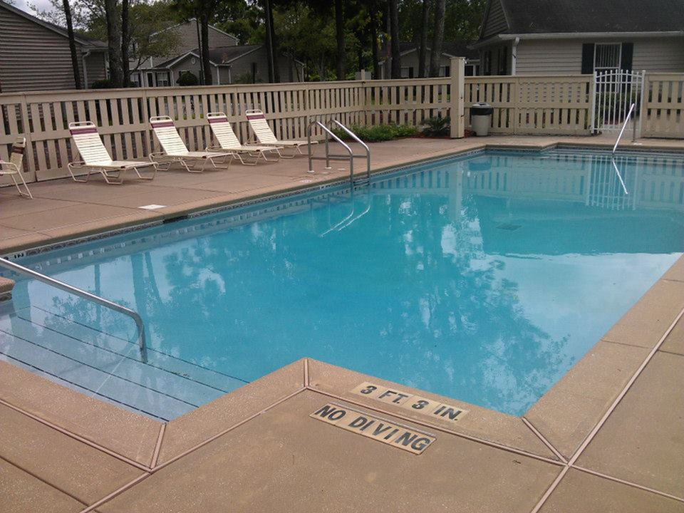 Image of Swimming Pool for Hillwood Pointe Apartments