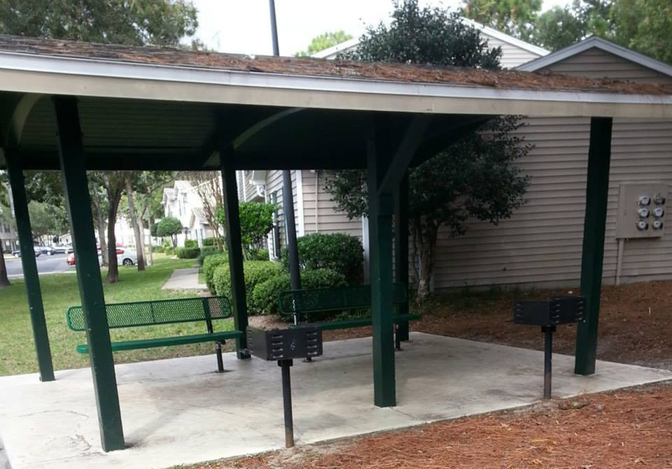 Image of Picnic Area for Hillwood Pointe Apartments