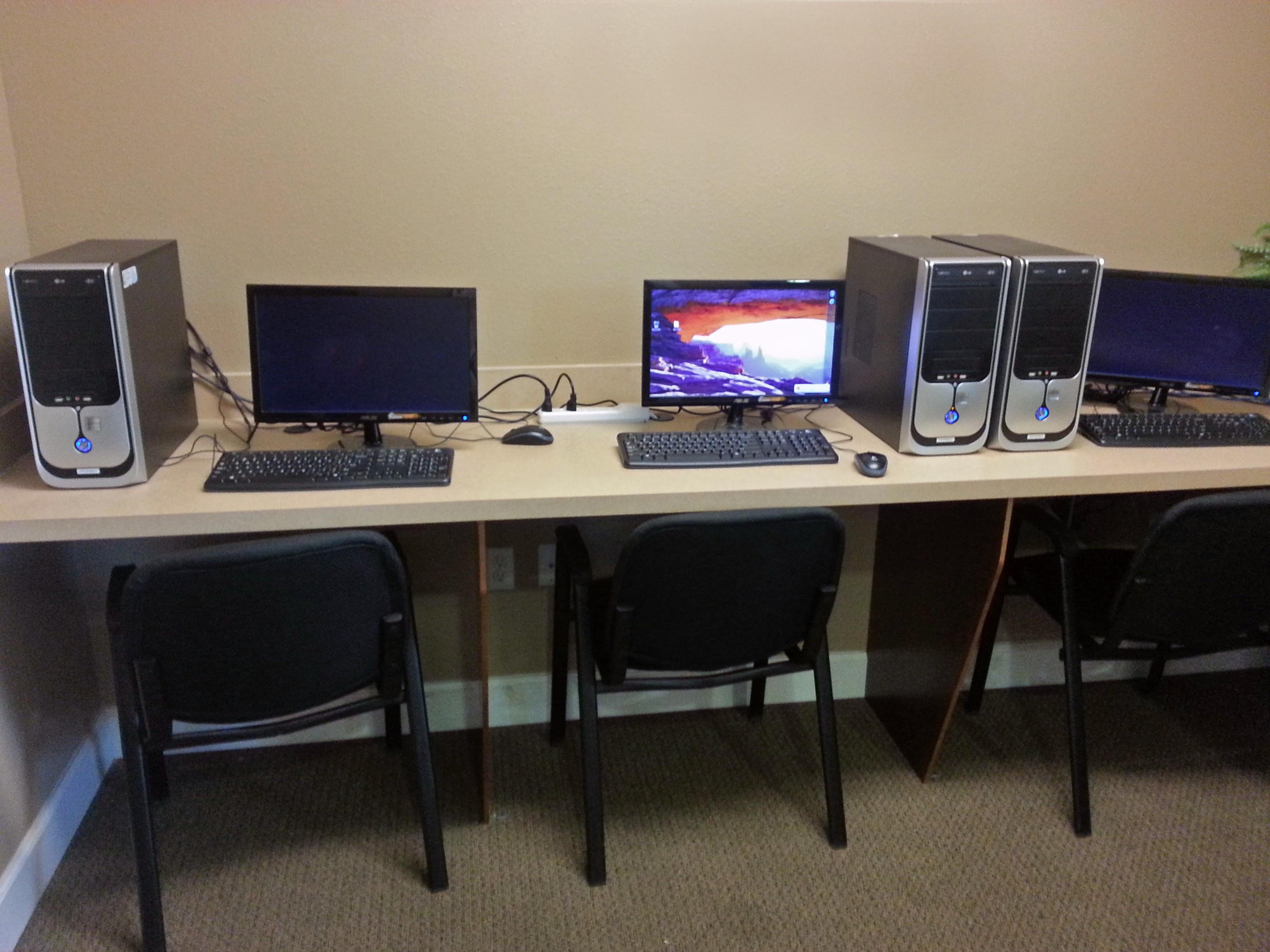 Image of Computer Lab for Foxwood Apartments