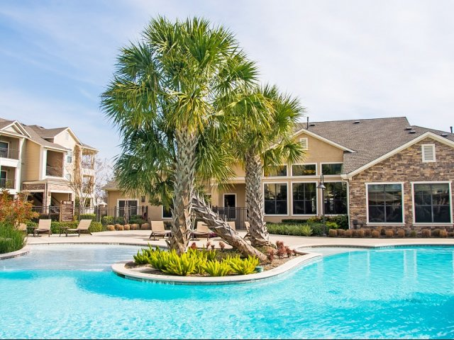 Image of Resort-style swimming pool with lap pool and heated spa for Lakeland Estates Apartment Homes