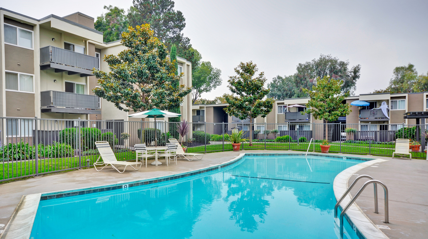 Pool at Turnleaf Apartments in San Jose, CA.