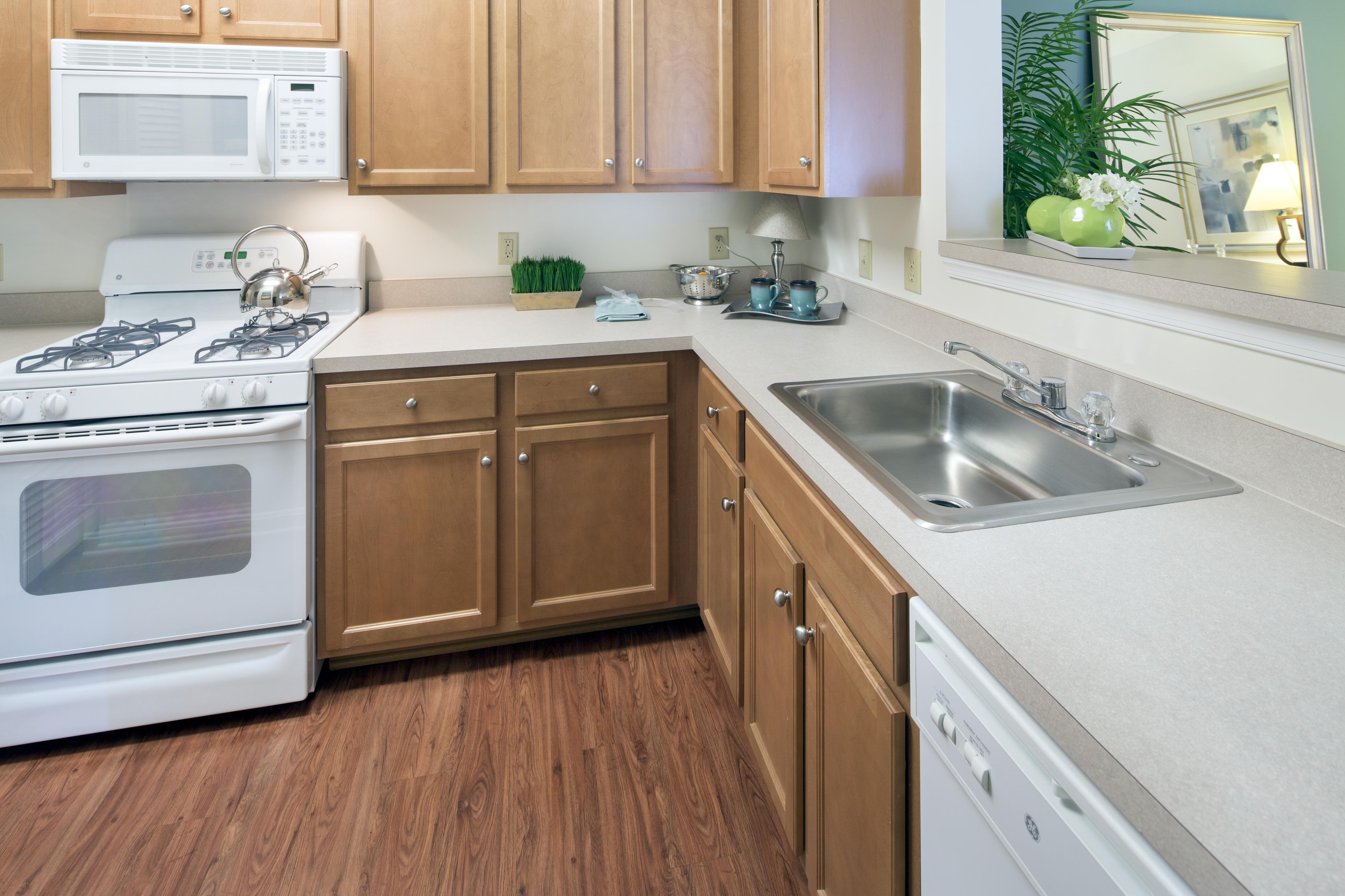 Apartments for Rent in Woodbridge VA | Riverside Station ...