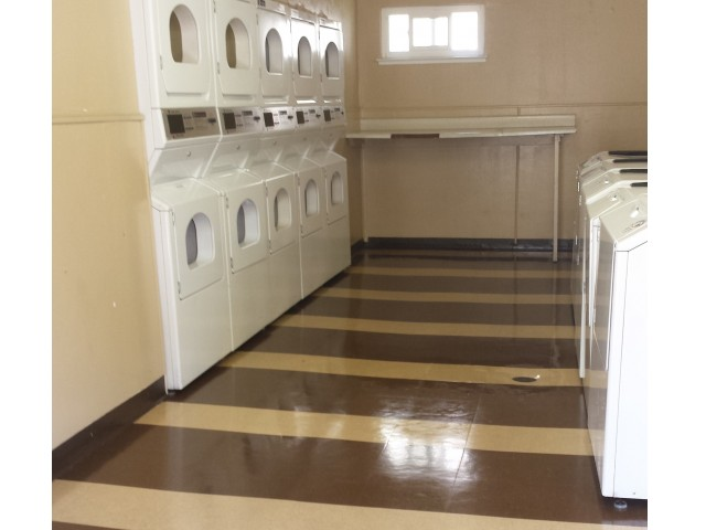 Baycliff Apartments Richmond CA Laundry