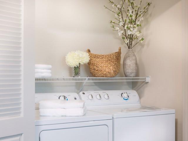 Valentia La Habra, CA - Washer and dryers in the unit