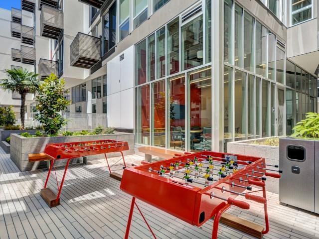 Courtyard at L Seven Apartments in San Francisco CA
