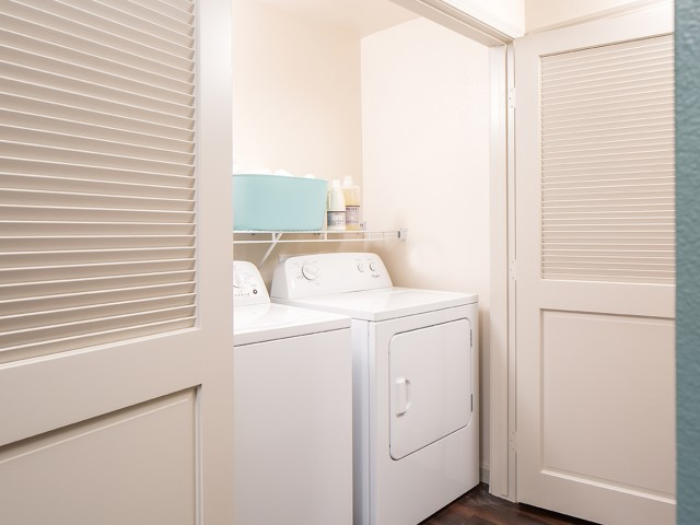 andorra Camarillo Apts - Washer In unit