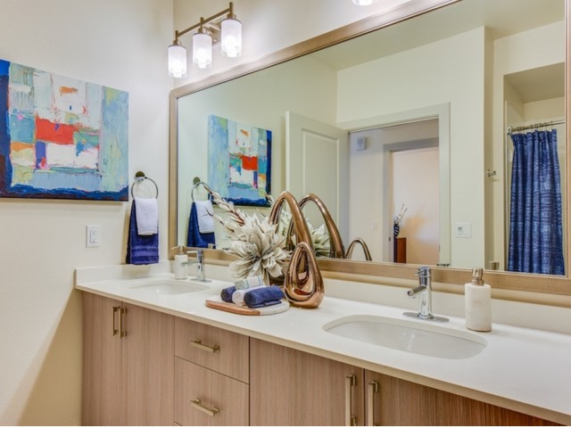 Master bathroom at 808 West Apartments in San Jose CA