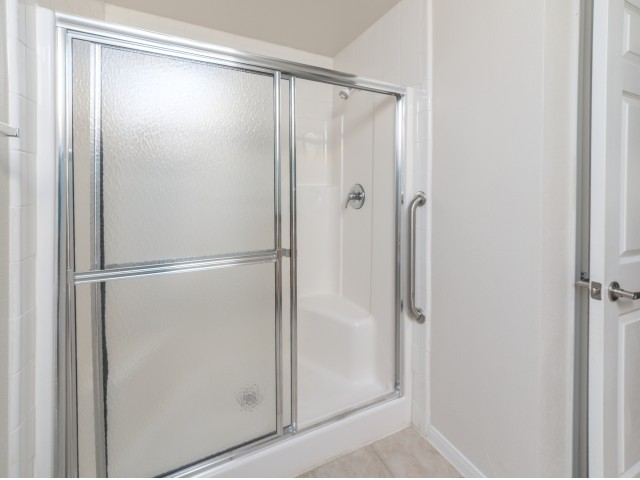 Image of Walk-in shower* for Parkway Senior