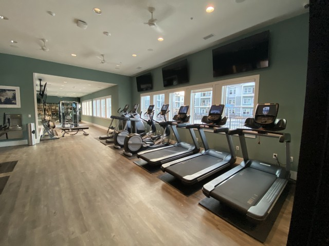 24-Hour Precor Fitness Center with w/ Free-Weights and Spin Cycles