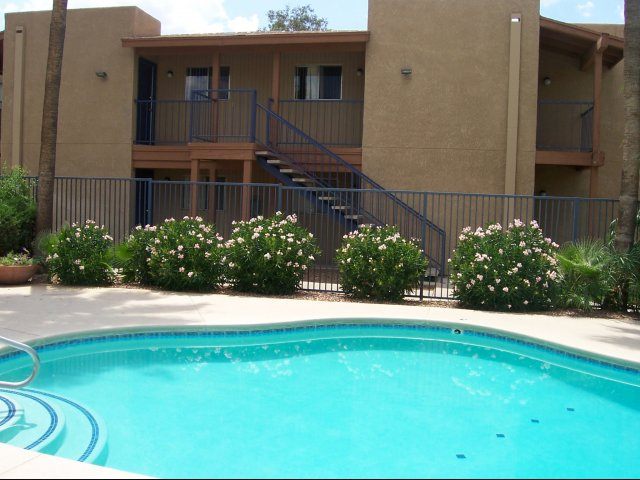 Image of 2 swimming pools for Las Brisas Apartment Homes