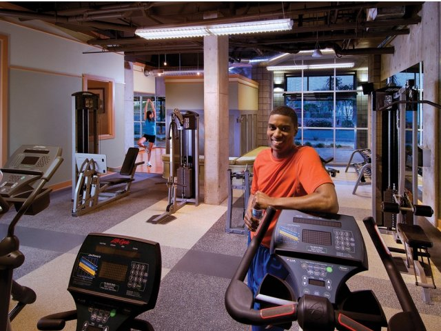 Image of 24 Hour Fitness Center for Skyline Lofts Apartment Homes