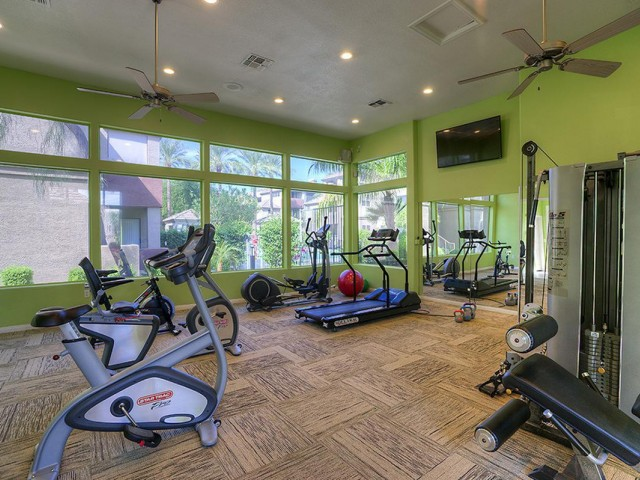 Image of 24 Hour Fitness Center for Hawthorne Apartment Homes