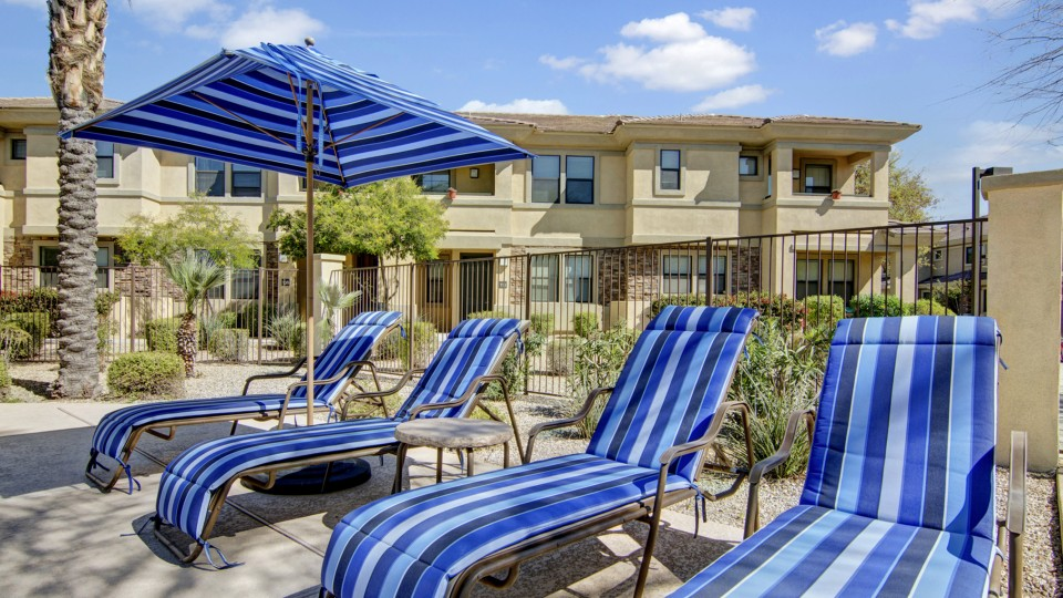 Image of Resort Style Pool/Gas Grills for Cobalt on 32nd Apartment Homes