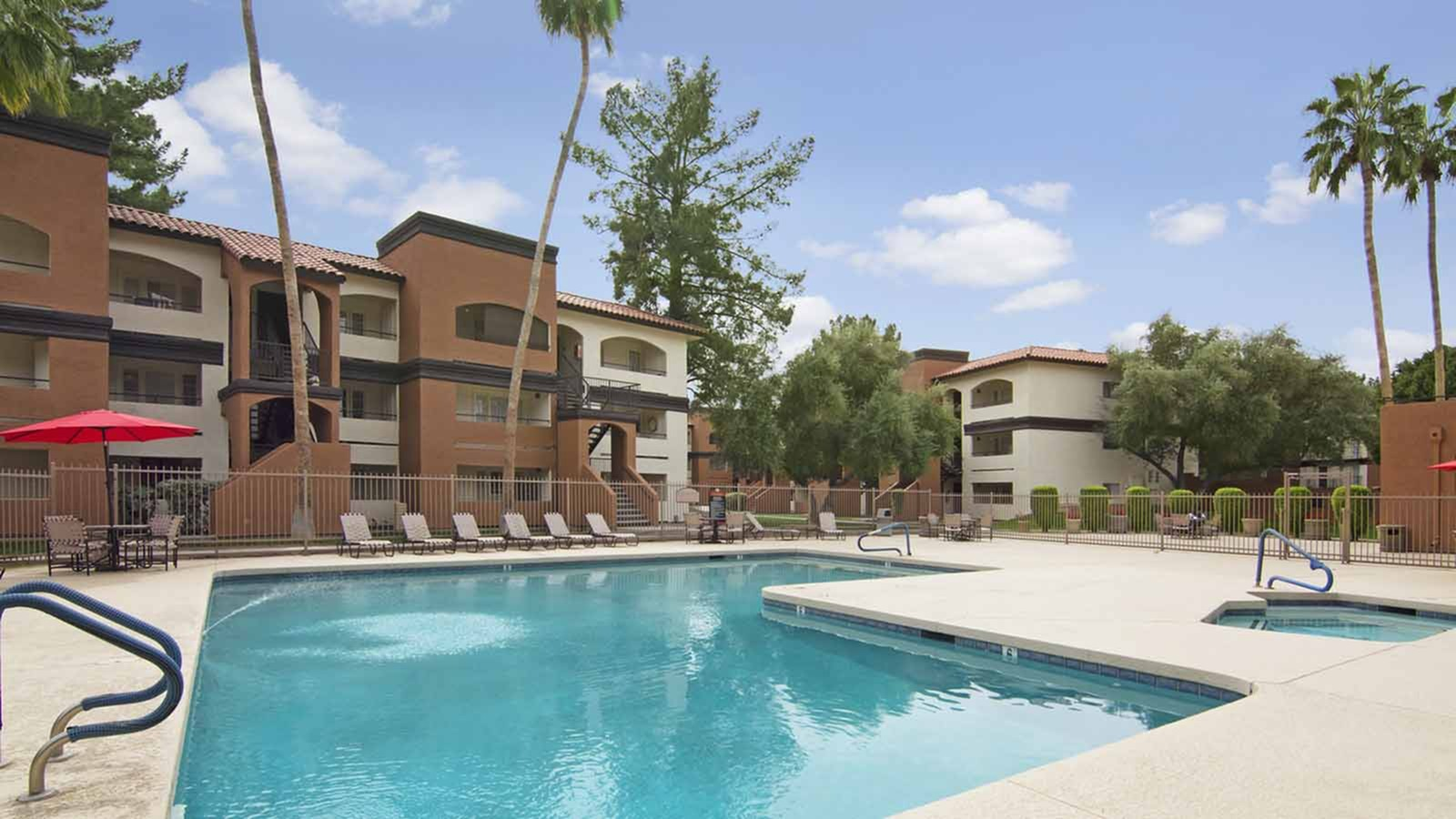 Country Club Verandas Apartments - uCribs