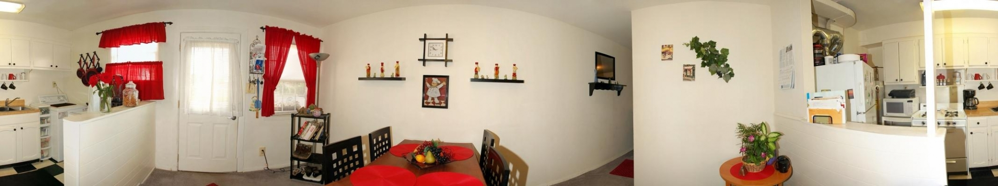Dining Room/Kitchen 1