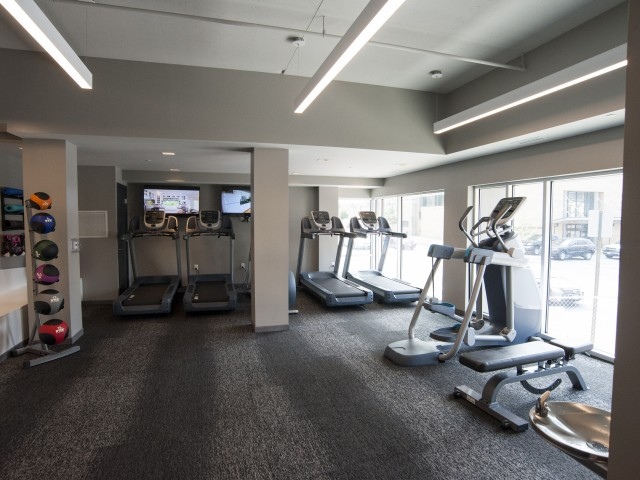 Image of 24-hour onsite fitness center for 500 Park