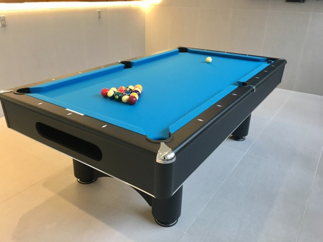 Image of Billiard lounge with premium cable television and arcade game for 500 Park