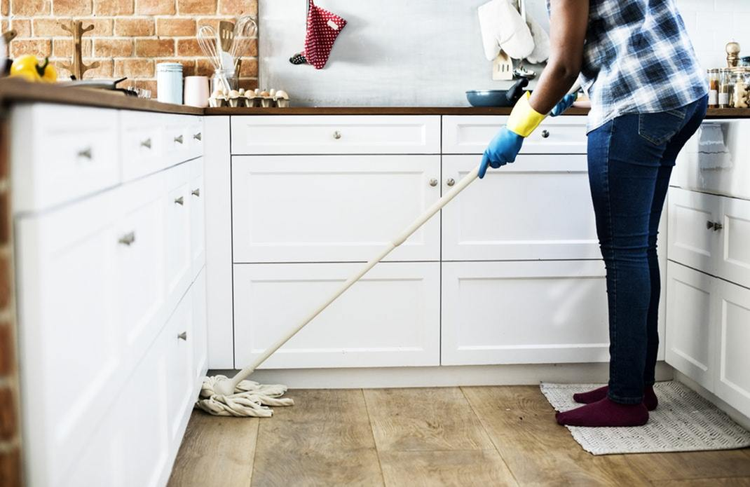 The Lazy Person's Guide to Cleaning Your Apartment-image