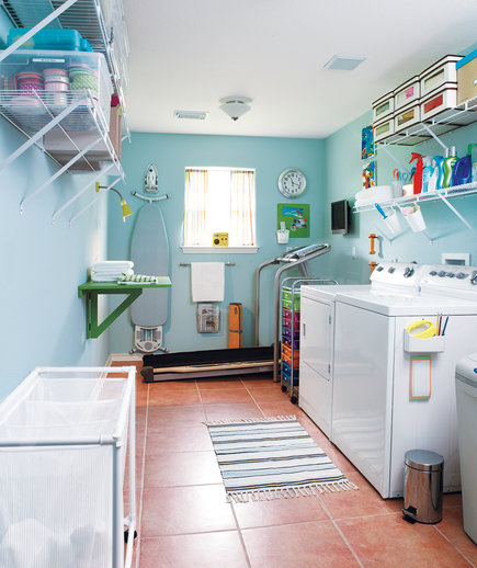 organized-blue-laundry-room_0_0