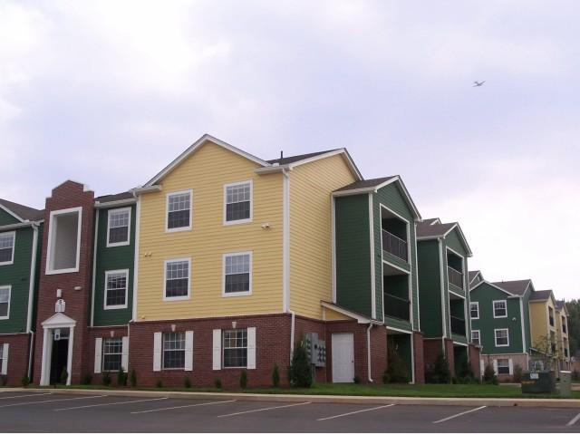 Hilltop Club | WKU Student Apartments