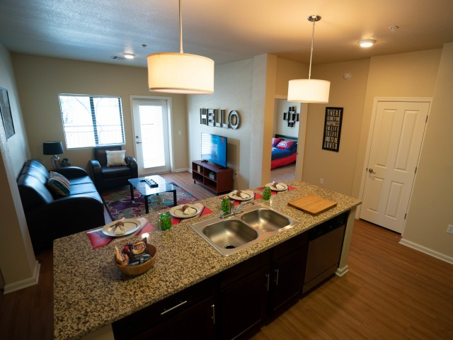3 Bedroom Apartments in Tucson | The Junction at Iron Horse
