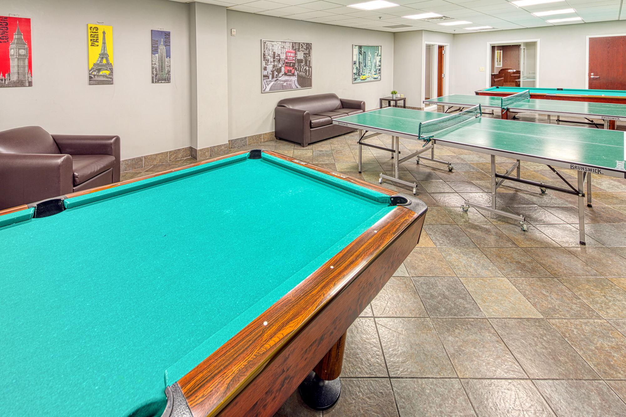community game room | 100 Midtown Apartments in Atlanta, GA