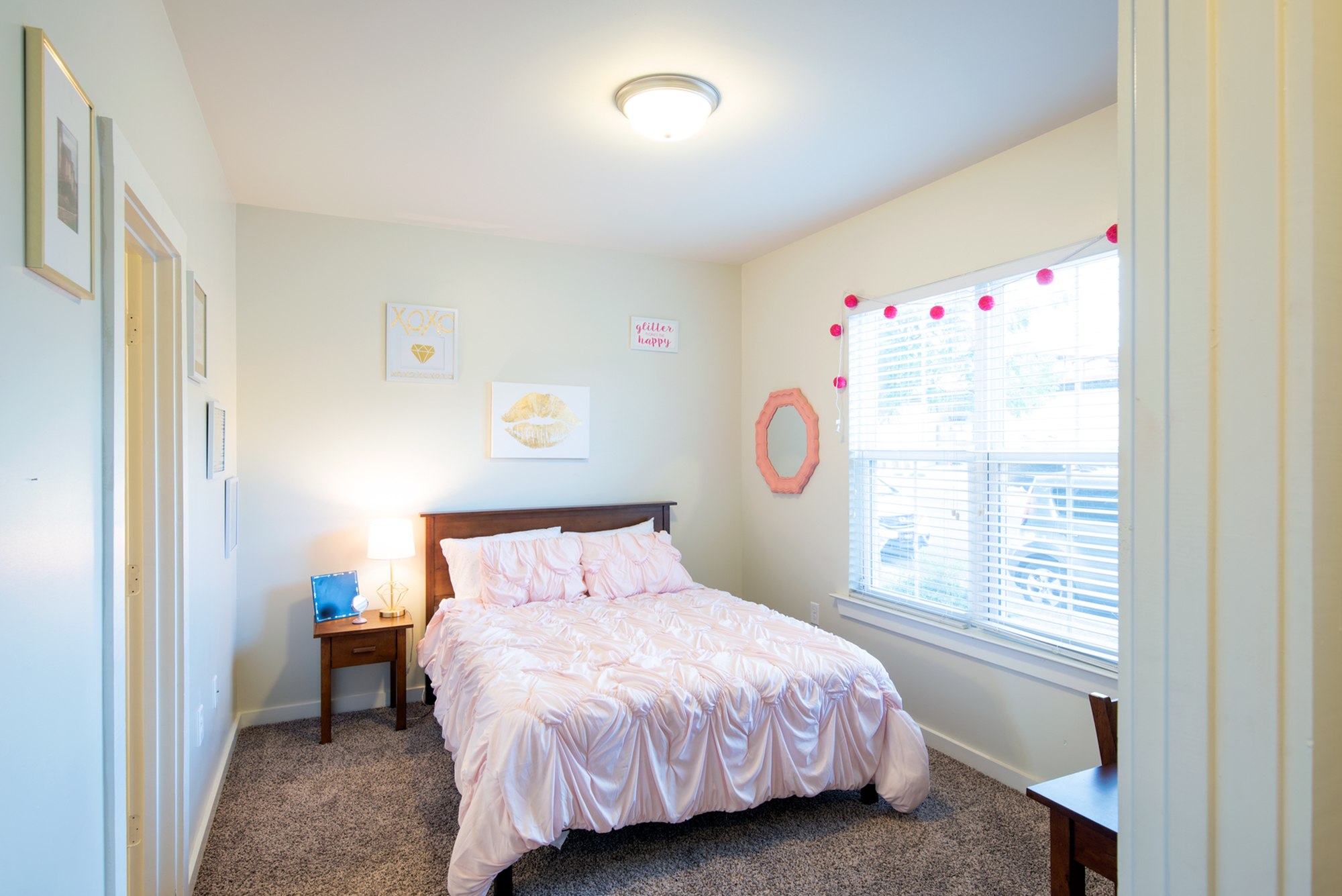 Fully Furnished Living Spaces   Off Campus Housing UNM   Valley View Villas