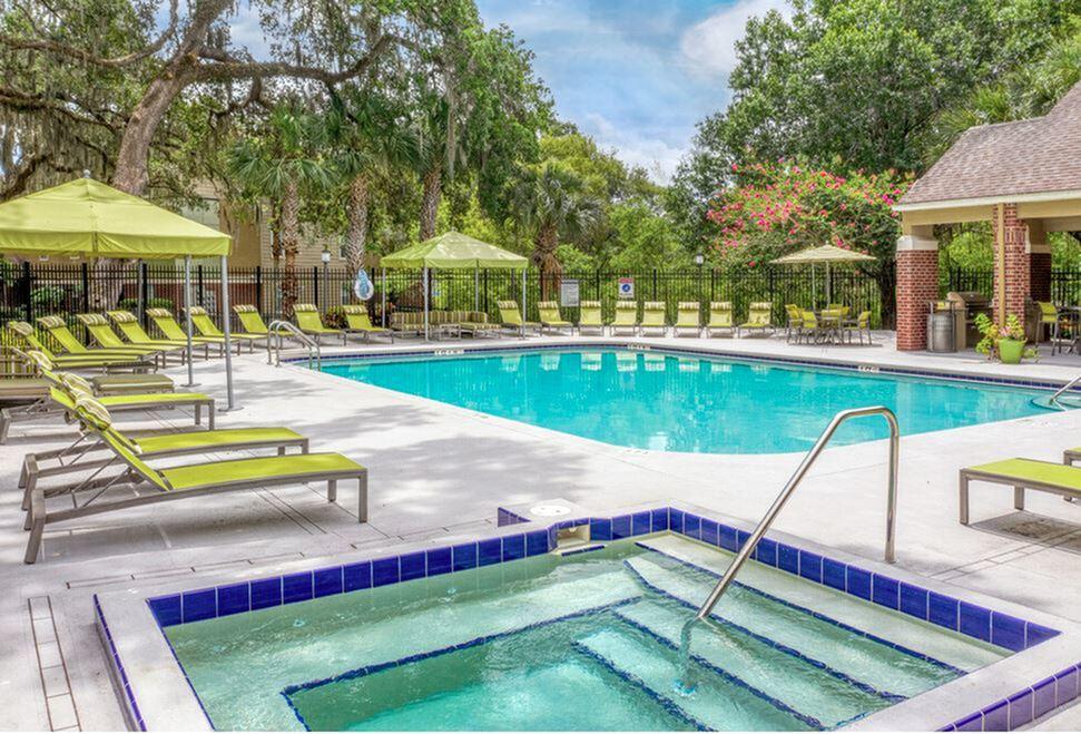 Pool & Hot Tub at 42 North
