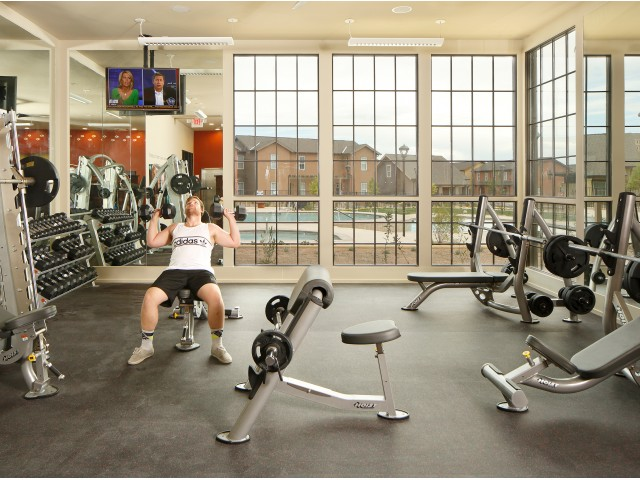 Cutting Edge Fitness Center | Studio Apartments Near UNM | Valley View Villas