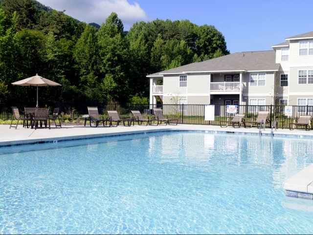 Image of Swimming Pool for Vantage Pointe Homes at Balsam Mountain