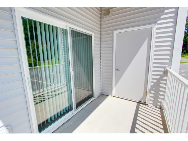 Image of Covered balcony for Carlton Hollow Apartments