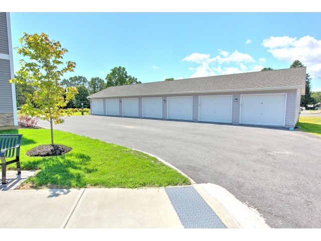 Image of Garages Available for Carlton Hollow Apartments