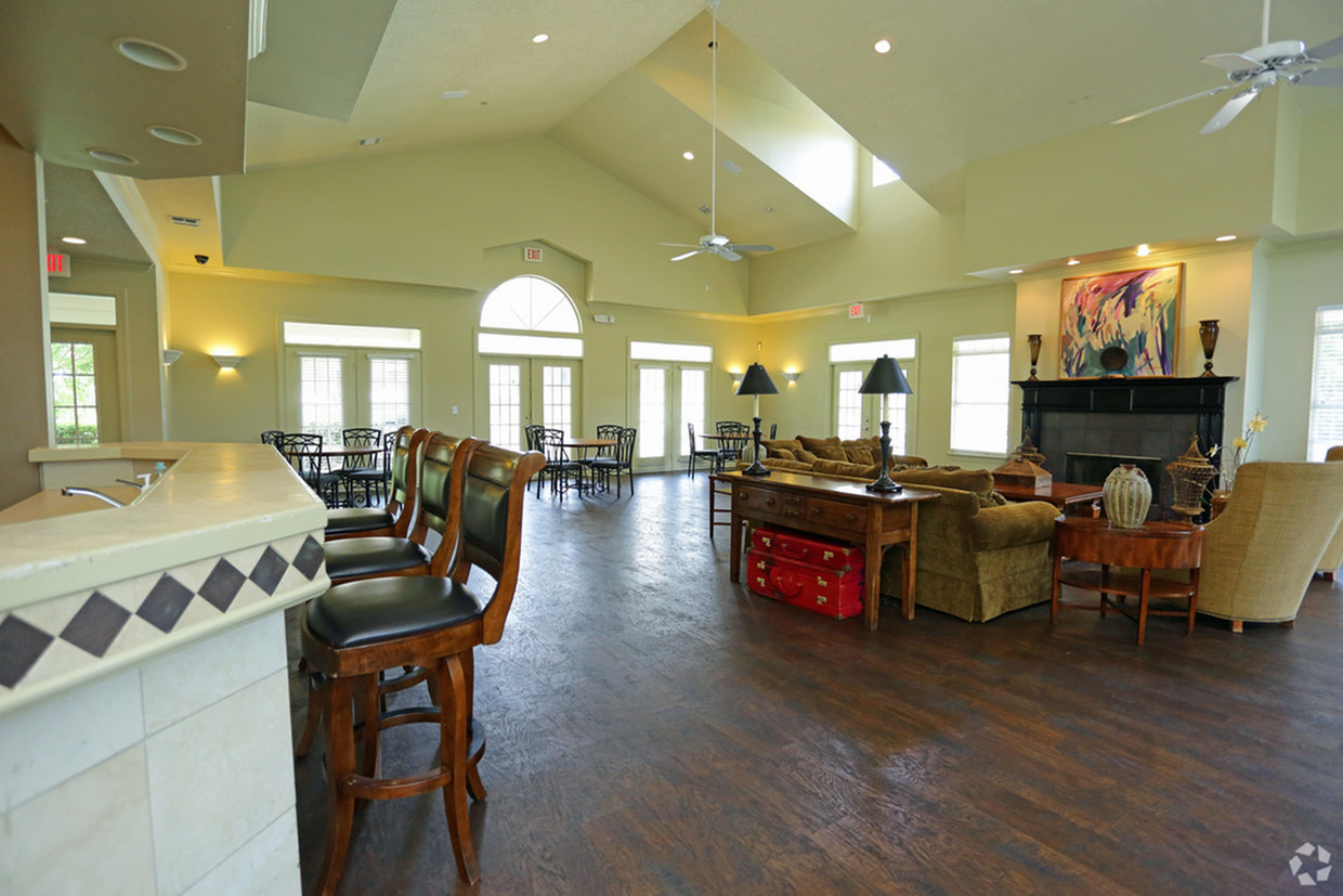 Image of Spacious Clubhouse for Vaughn Lakes