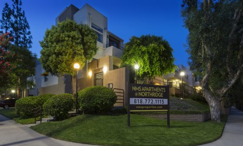 Spacious Apartments For rent in Northridge