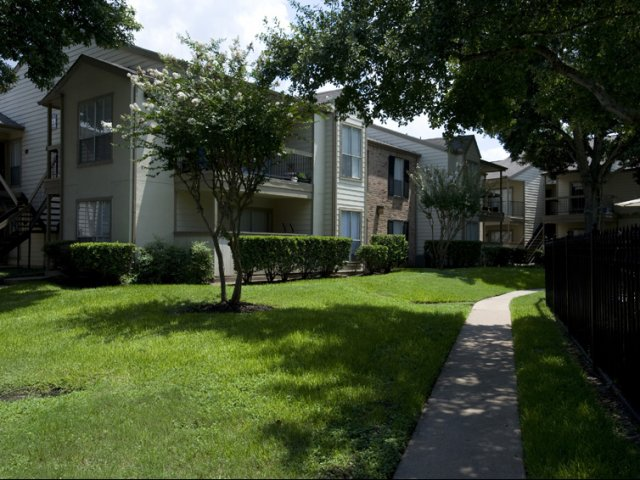 Silverado   Apartments For Rent in Houston  TX   Apartment Exteriors. Silverado Apartments   Apartments For Rent In Houston  TX