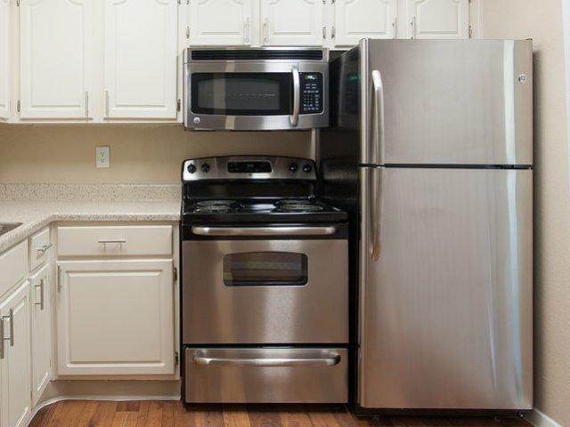 Summer Villas | Apartments For Rent In Dallas, Texas | Milestone ...