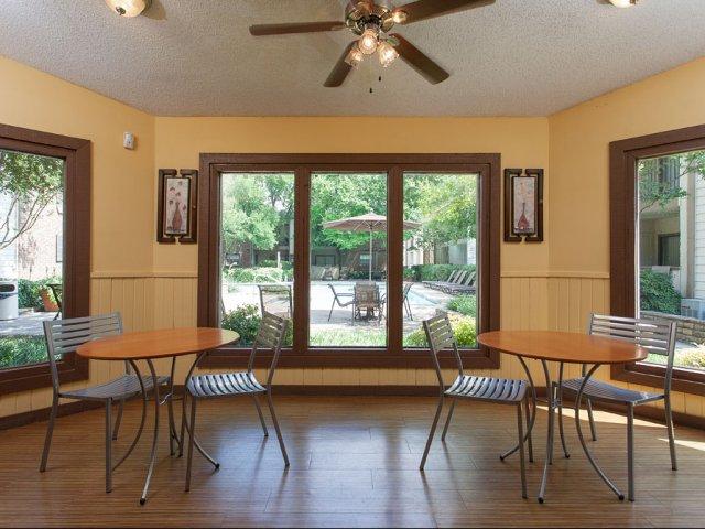 Summer Villas Apartments For Rent In Dallas Texas