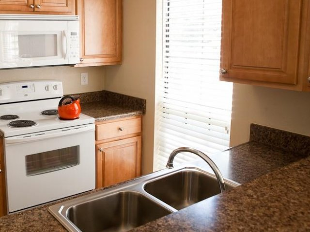 Hampton Point - Silver Spring, Maryland - Apartments For Rent - Granite Style Counters