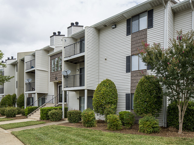 Exterior | Victoria Park Apartment Homes Charlotte, NC