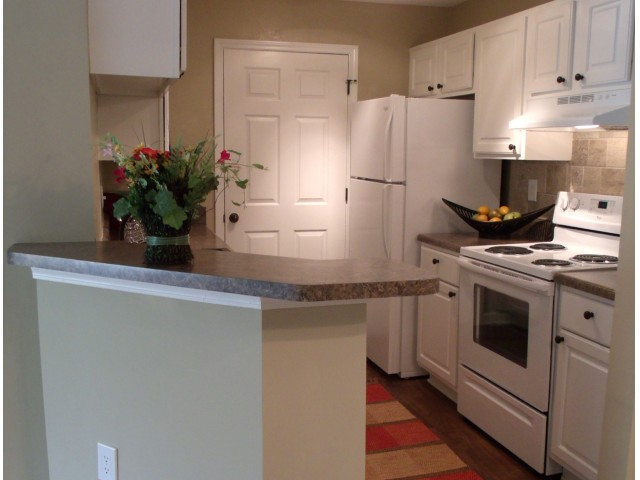 Image of White Cabinetry for River Vista Apartment Homes