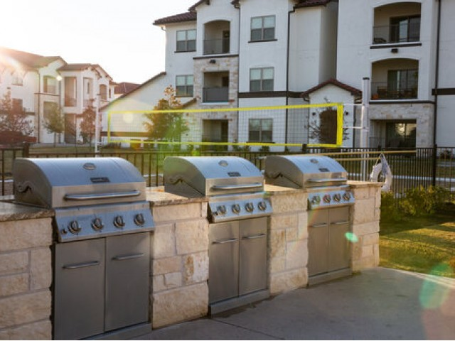 Image of Grilling Island for Stone Hill Apartments