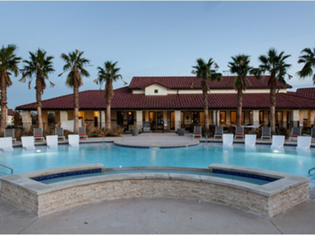 Image of Resort Style Pool for Stone Hill Apartments